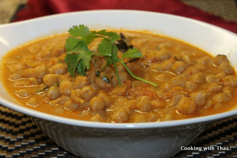 Chickpea Curry or Kadala Curry – Kerala Style | Cooking with Thas