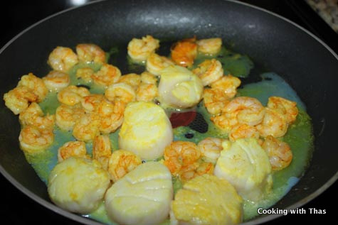 making shrimp scallop malai