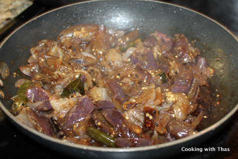 making sweet and sour eggplant