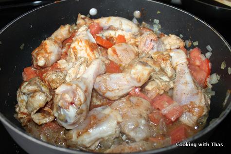 cooking chicken kabsa