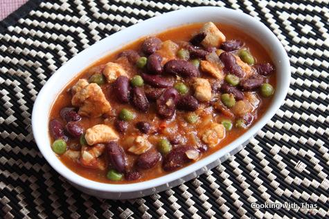 kidney beans, peas and chicken stew