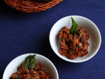 olive and sun dried tomato pesto