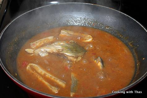 making gun powder fish curry