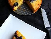 cornmeal-blueberry cake