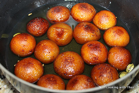 gulab jamun in sugar syrup