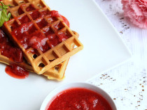 homemade-strawberry sauce