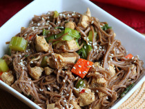chicken soba noodle stir fry