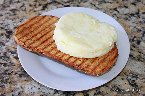 Quick And Easy Egg White Sandwich Microwaved | Cooking With Thas