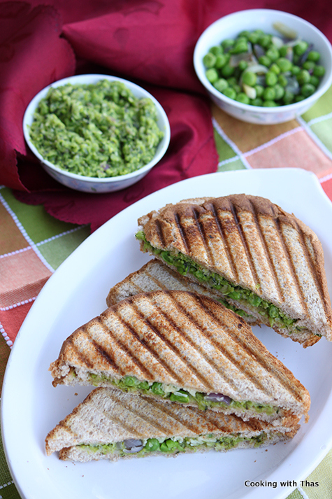 peas pesto sandwich