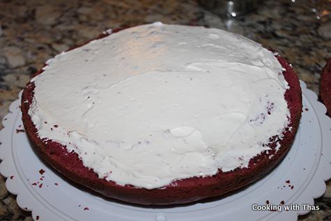frosting-red velvet cake