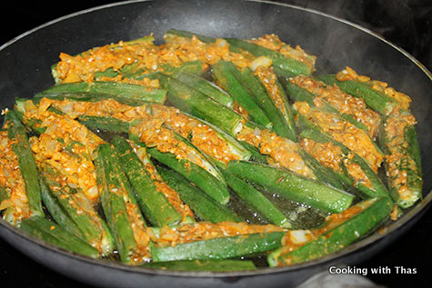 making stuffed okra
