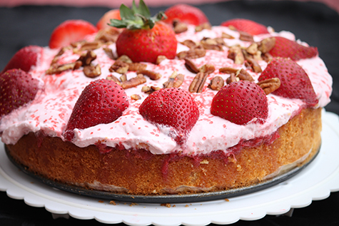 Easy Sponge cake with strawberry mousse