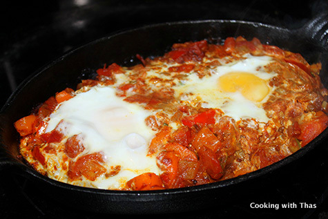 making shakshuka