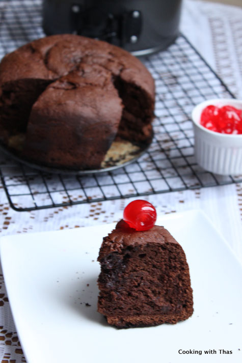 chocolate cake made in pressure cooker