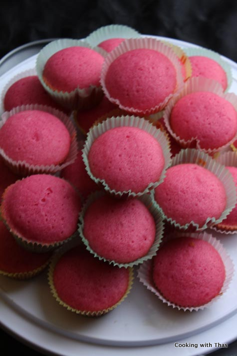 pink-velvet cupcakes