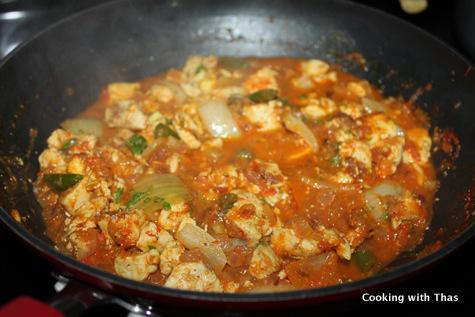 making chicken dopiaza