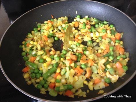 making oats upma