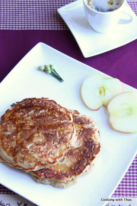 oats and apple pancake