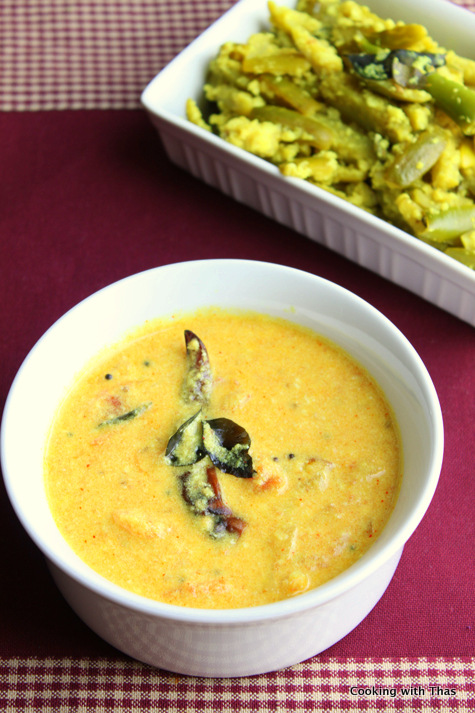 tomato in coconut-yogurt gravy
