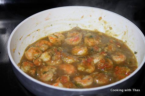 making shrimp in mint cilantro sauce