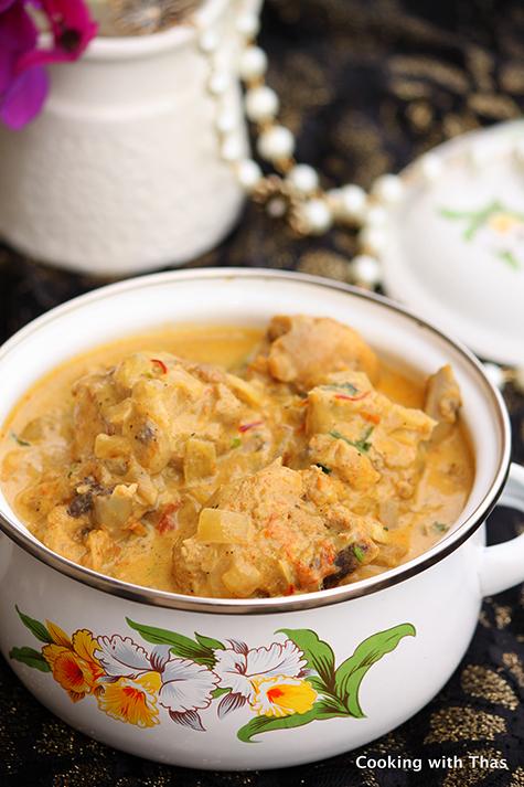 Mughlai-chicken-and-saffron-korma